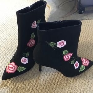 Cute Betsey Johnson Floral Boots